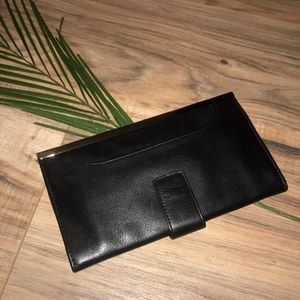 Handbags - NWOT Leather wallet/pouch